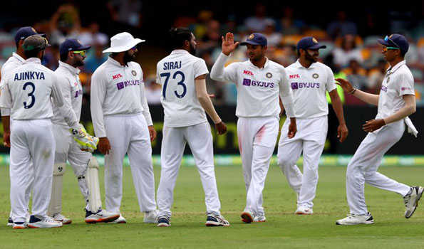 4th Test, Day 4: India 4/0 at stumps, need 324 runs to win against Australia after Siraj five-for