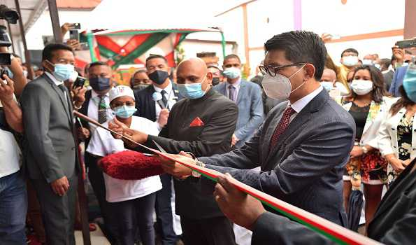 Madagascar President  inaugurates Advanced digital Cobalt Therapy machine donated by India