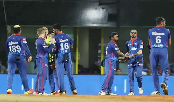 Amit Mishra scalps four as Mumbai Indians falter to 137 for 9 against DC