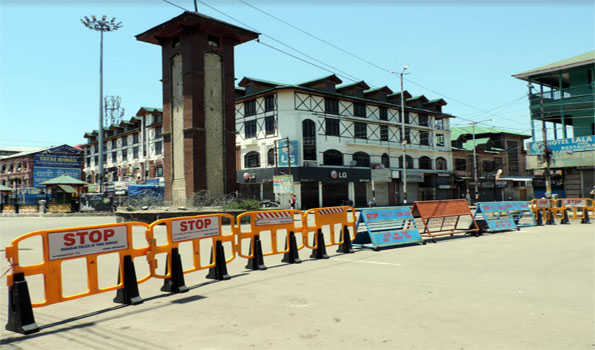 COVID: Kashmir lockdown completes 4 weeks; vaccination drive picks up pace