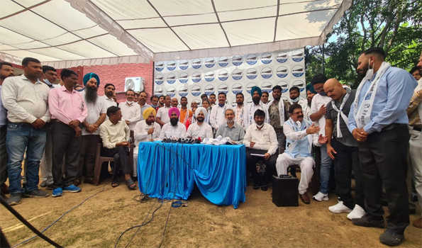 Jolt to Congress in Chandigarh as hundreds of leaders, volunteers join AAP