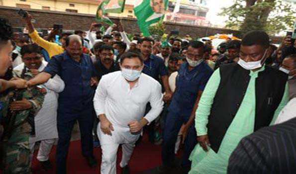 Tejaswi Yadav arrives on two-day visit, to review party functioning