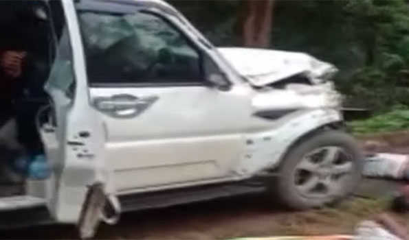 Accident claims 9, hurts 7