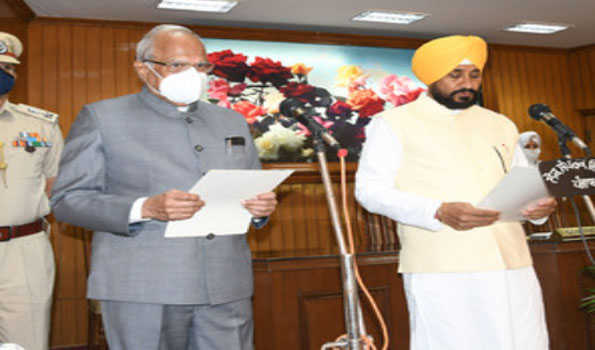 Channi takes oath as Punjab CM, urges Union to roll back Farms Laws