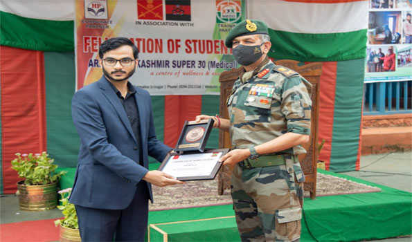 GOC Chinar Corps Lt Gen Panday felicitates students clearing NEET