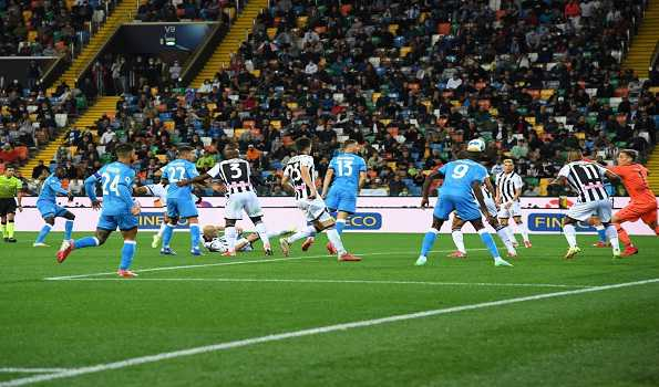 Napoli goes top with fourth consecutive win in Serie A